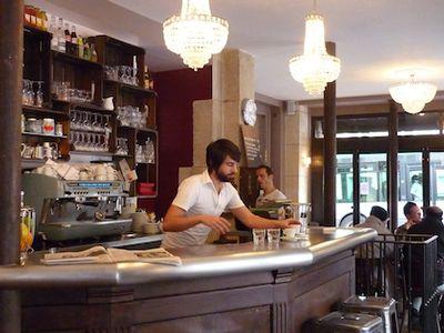 Café Clochette restaurant Paris 10ième Vins Luberon et Ventoux